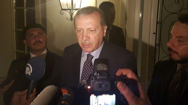 Erdogan aparece en la localidad vacacional de Marmaris (Foto: Reuters)
