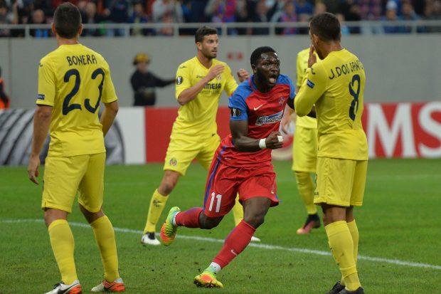 El Steaua celebra el tanto al Villarreal. (AFP)