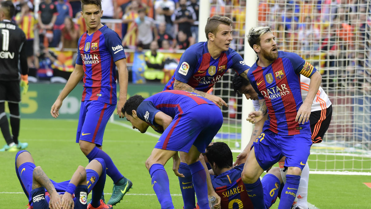 Resultado de imagen de Botellazo Valencia-Barcelona