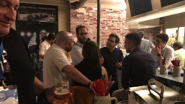 Frialdad en las cenas de compromisarios por territorios tras la primera jornada del Congreso del PP